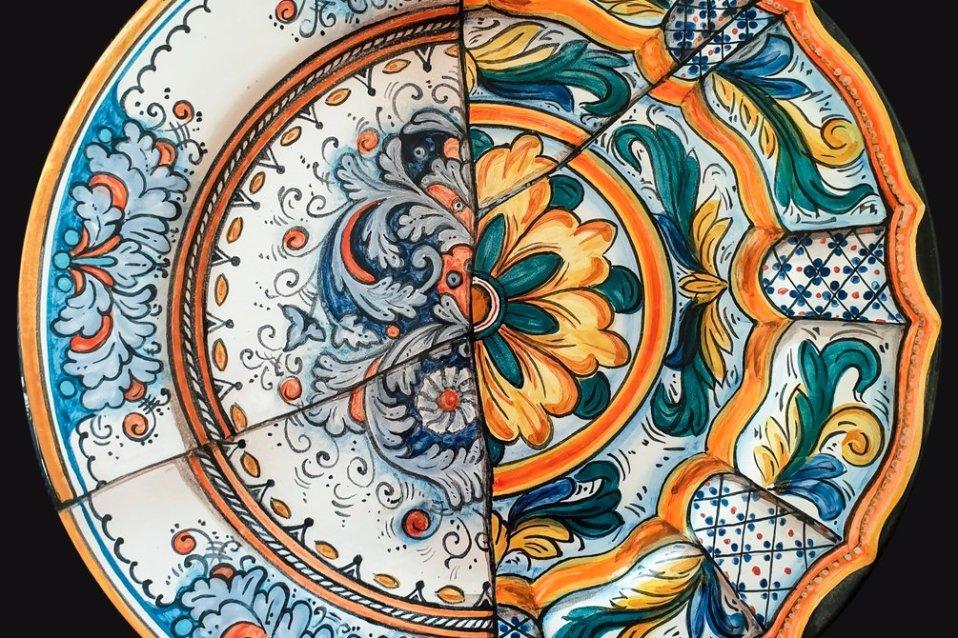 Piatto dipinto a mano - Sandra Petreni - Pittura e Decorazione